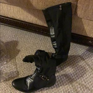 Like New! Etienne Aigner Boot